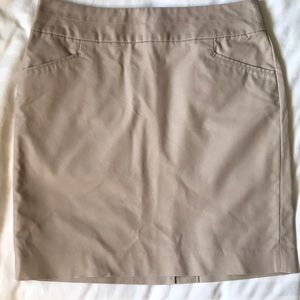 Banana Republic beige straight skirt